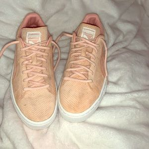 Puma light pink suede shoes